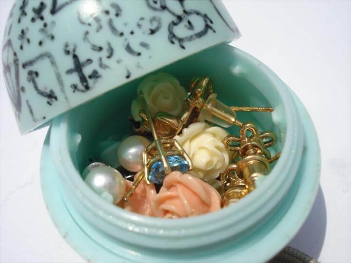 diy jewelry storage, eos jewelry storage