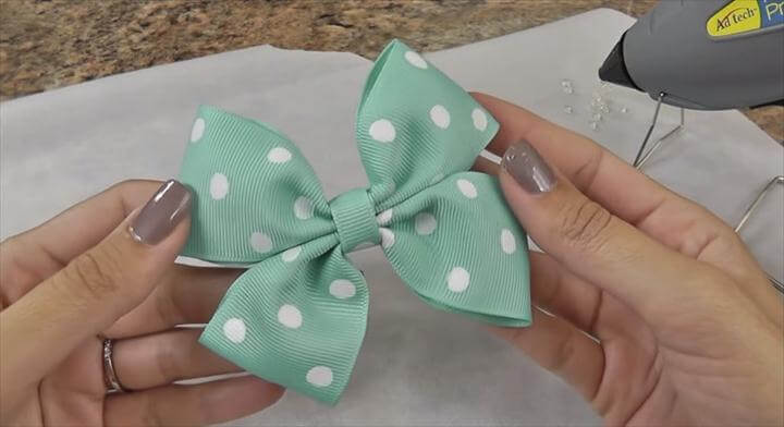 Easy DIY Hair Bow Tutorial