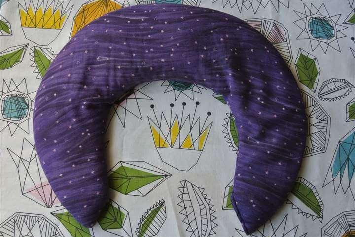 {DIY} Teacher Gifts – Eye & Neck Pillows