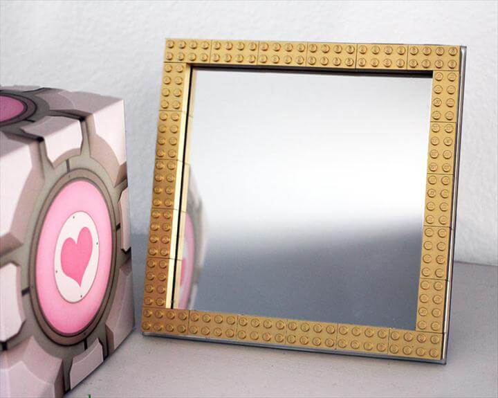 Geek Decor: DIY gold LEGO frame with spray painted gold LEGO's