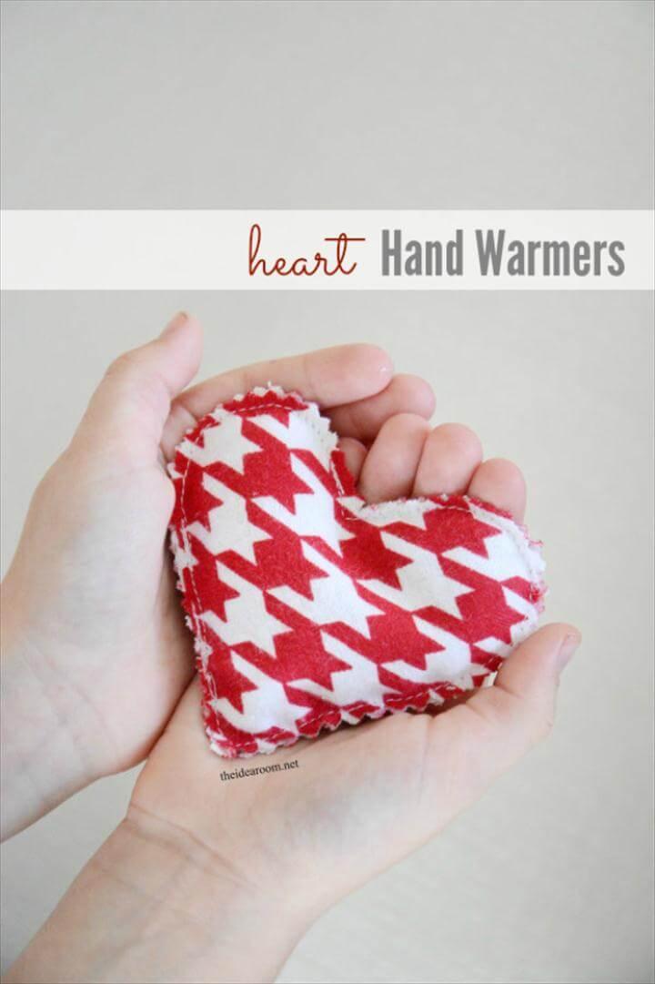 Best DIY Valentines Day Gifts - DIY Heart Hand Warmers - Cute Mason Jar Valentines Day