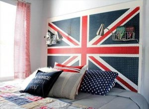 10 Awesome DIYs To Decorate Your Dorm Room