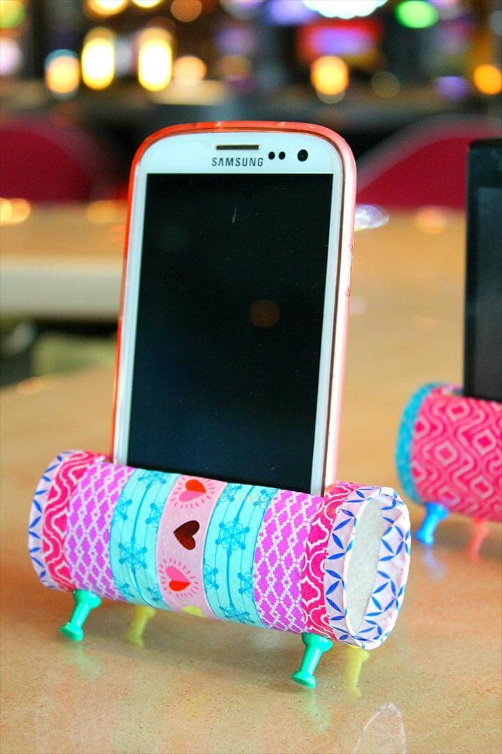 DIY PHONE HOLDER TUTORIAL - Re-purposing is all about creativity