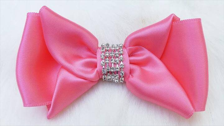 Pretty Satin Hair Bow, DIY Satin Hair Bow, Easy Hair bow tutorial