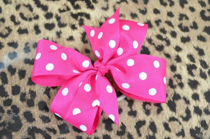 A Pinwheel Hair Bow