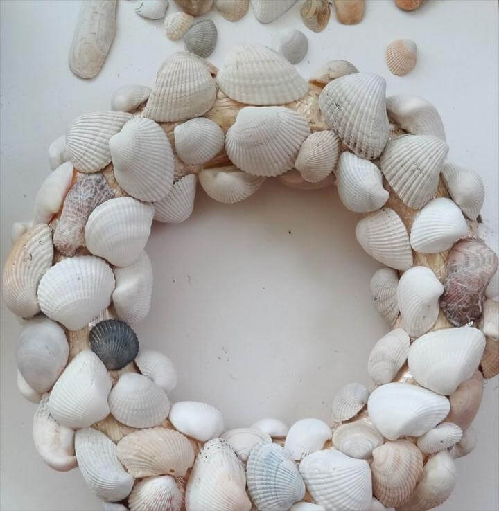 door wreath, wreath design, sea shell wreath