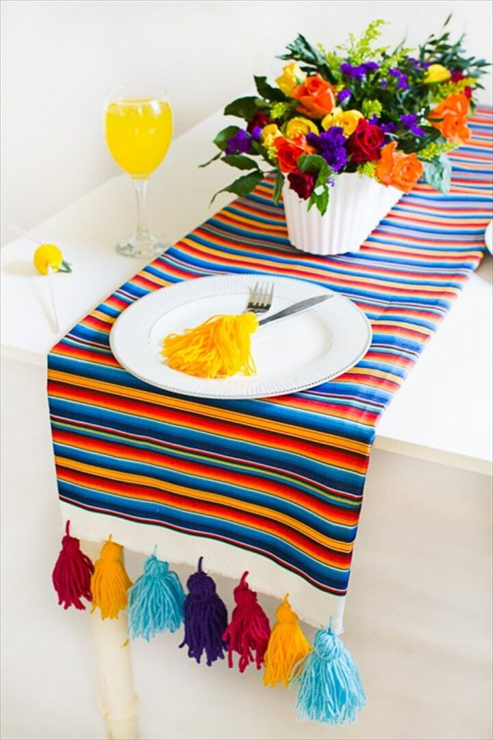 tassel table runer