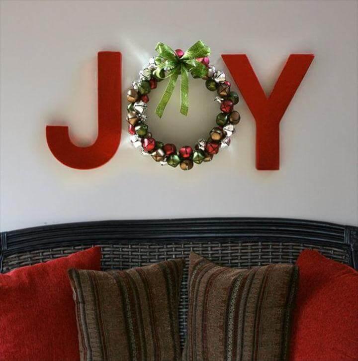 Amazing DIY Christmas Wall Art Ideas