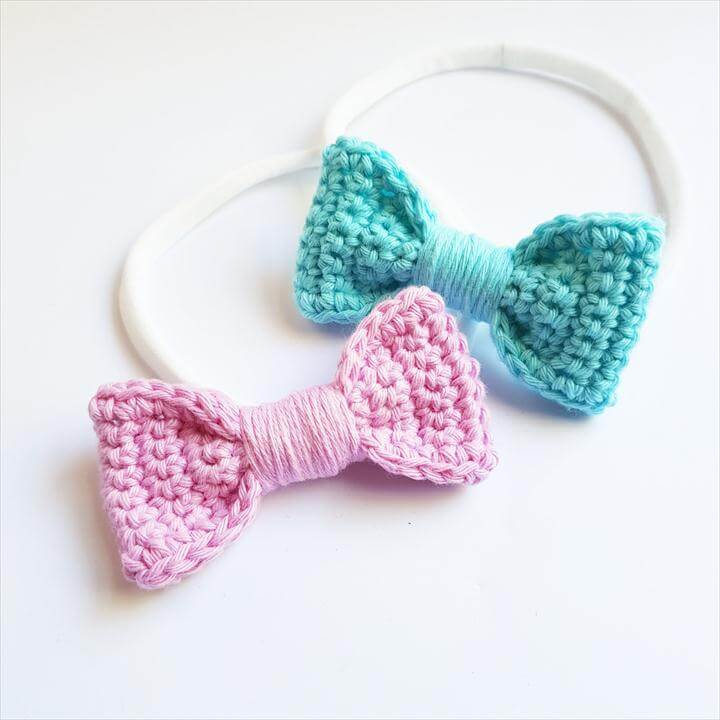 Set of 2 medium Cotton Crochet Hair Bows