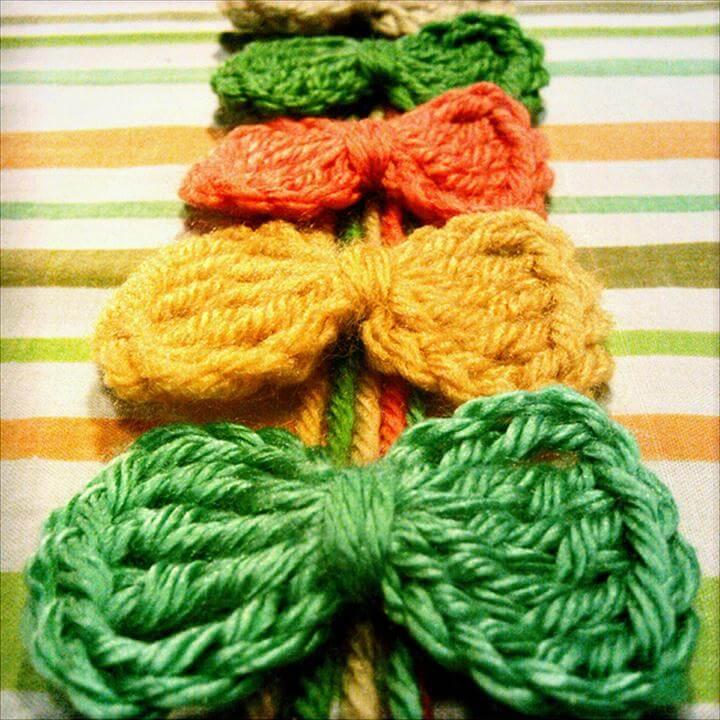 Super Simple Crochet Bows pattern