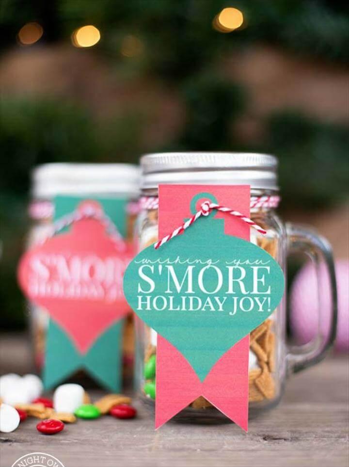 Cute DIY Mason Jar Gift Ideas for Teens - S'mores Mason Jar - Best
