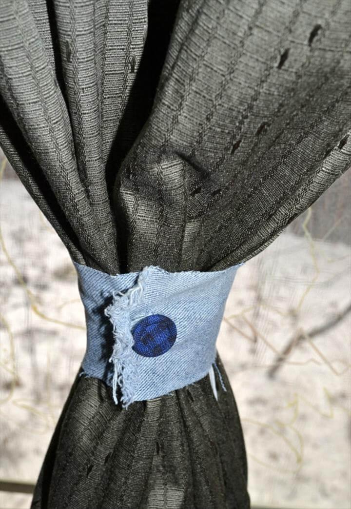 The T-Shirt DIY Curtain Tieback