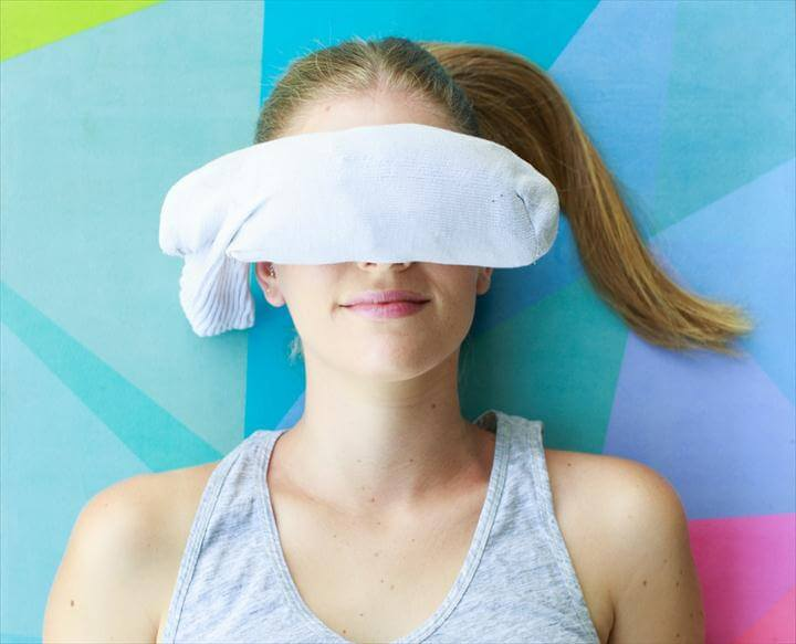 DIY Yoga Eye Pillow For the Most Relaxing