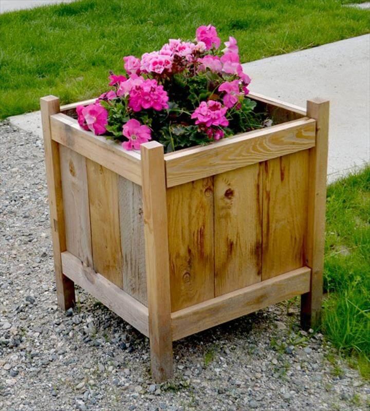 A Low Cost Cedar Planter