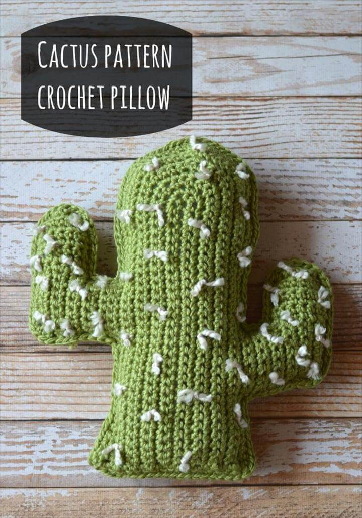 Crochet Cactus Pattern Pillow: Free Tutorial