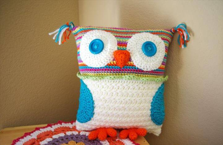 awesome crochet owl pillow