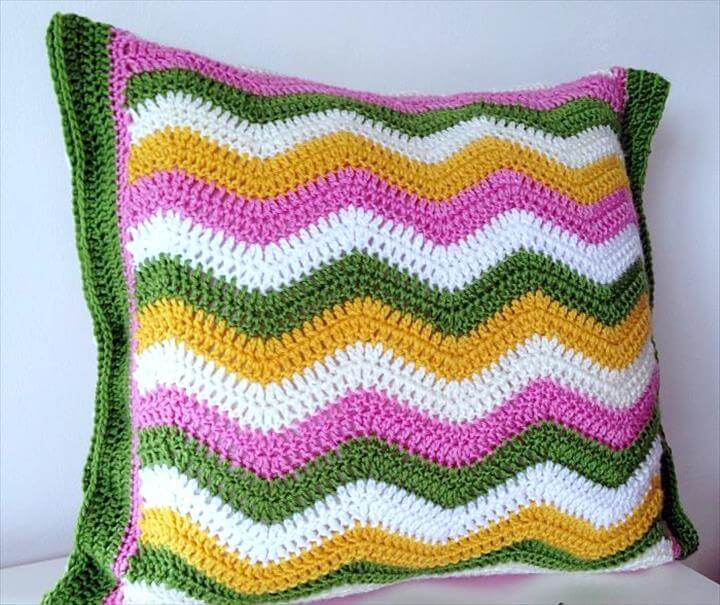 Ripple pattern crochet pillow cover