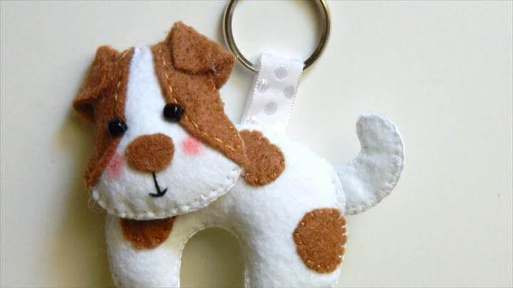 Precious Felt Dog Keychain - DIY Style Tutorial - Guidecentral