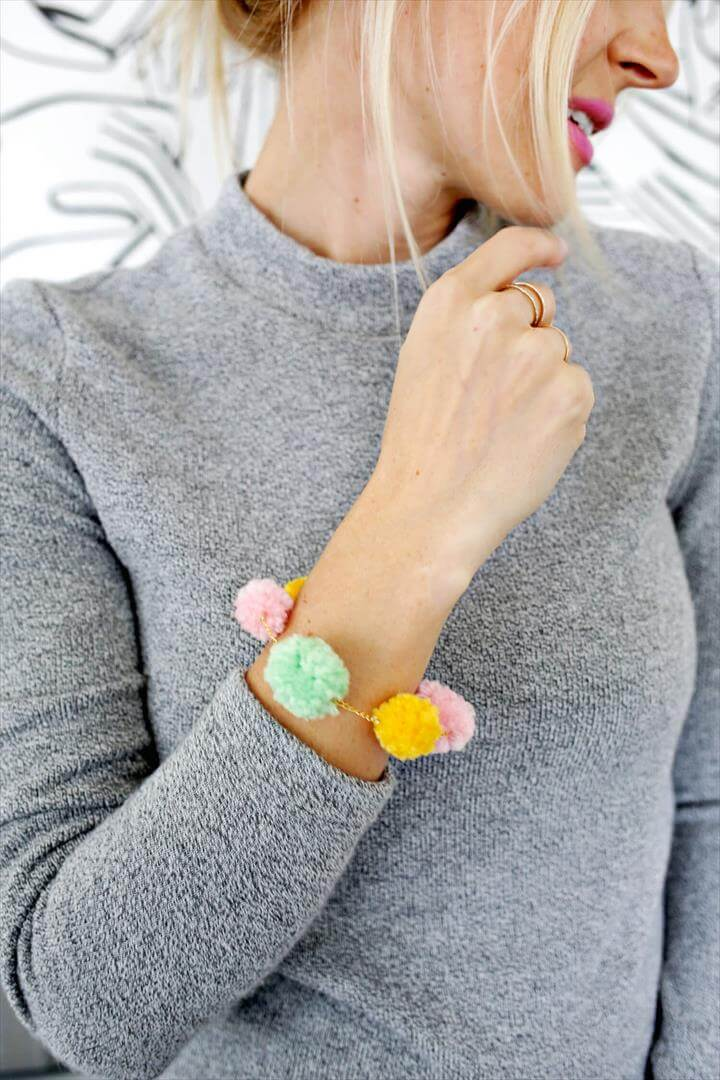 diy necklace, necklace tutorial, pom pom necklace