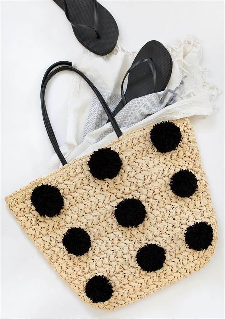 Multi Pom-Pom bag in Black