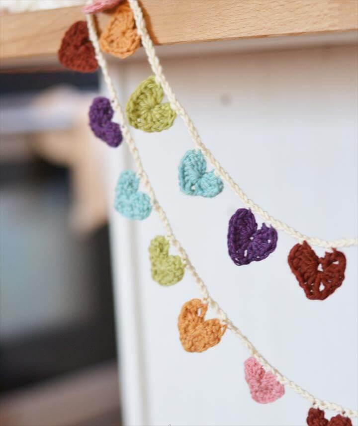 Crochet a Mini Hearts Bunting Banner