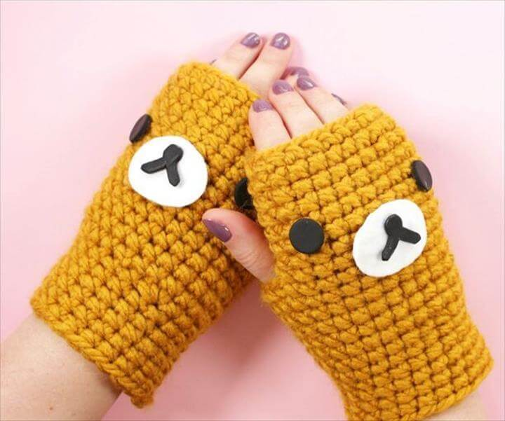 DIY Hello Kitty Crochet Gloves