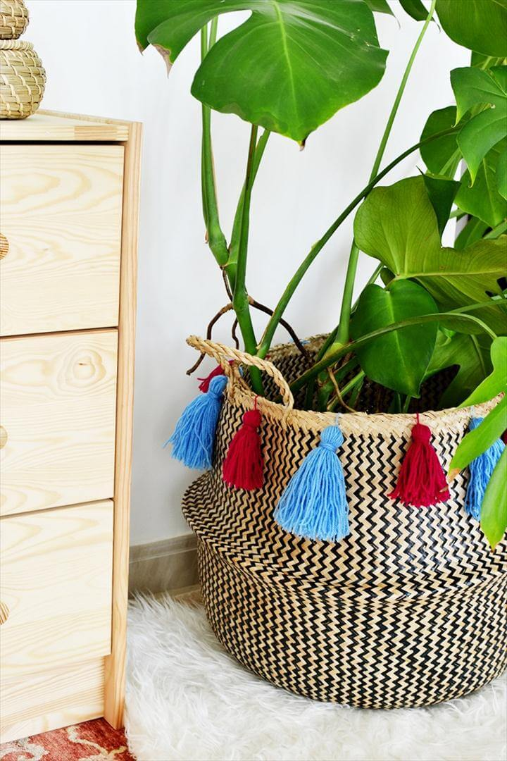 Tassel Seagrass Basket