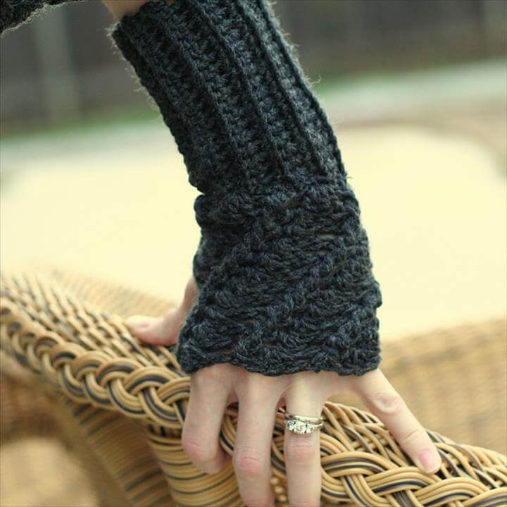 Vintage Fingerless Gloves Pattern, free crochet fingerless mitts patterns wrist warmers crochet arm warmers free patterns