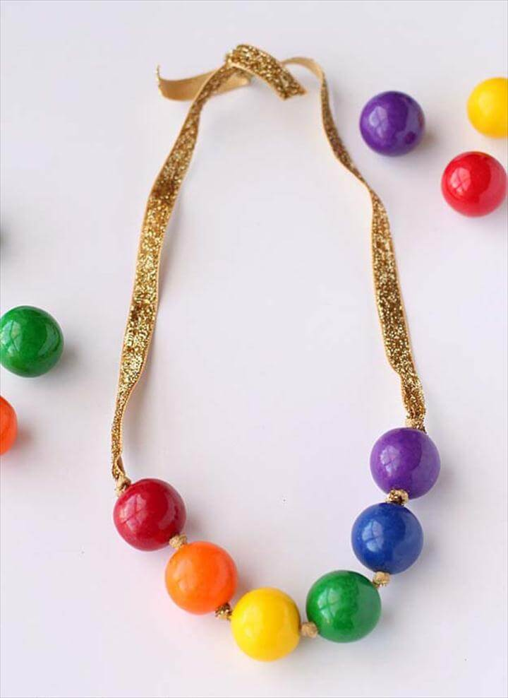 Best DIY Rainbow Crafts Ideas - Rainbow Gumball Necklace - Fun DIY Projects With Rainbows