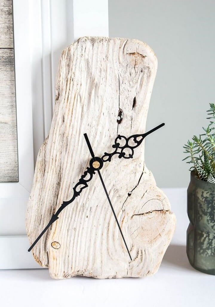 Make A Clock With Driftwood