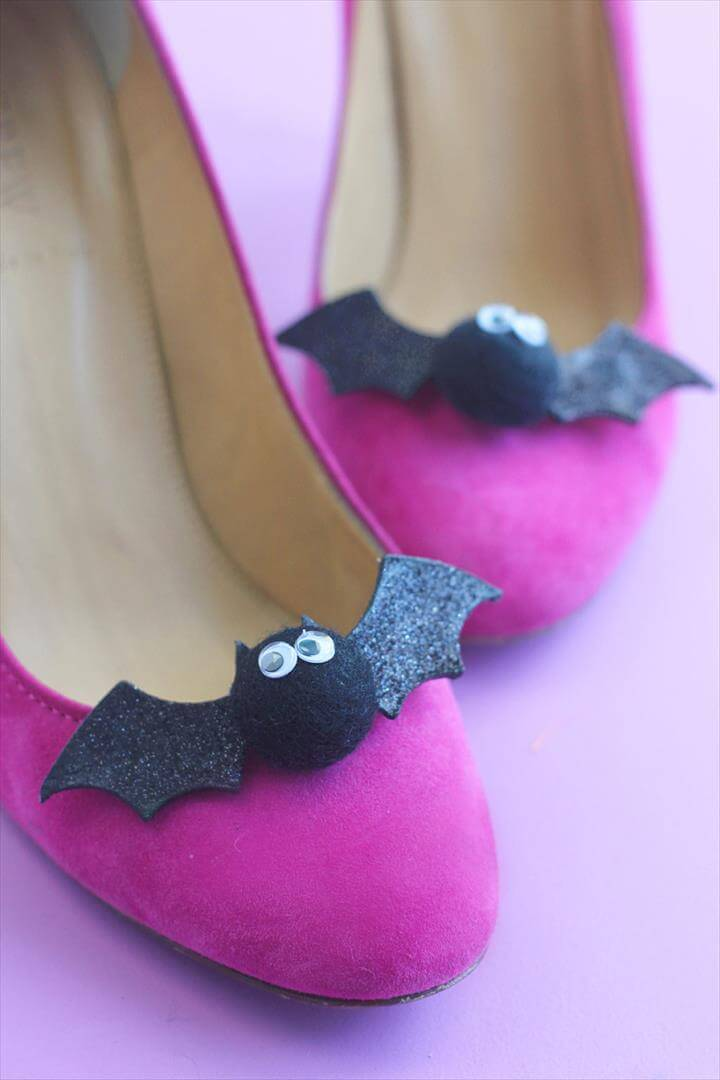 DIY Bat Shoe Clips |