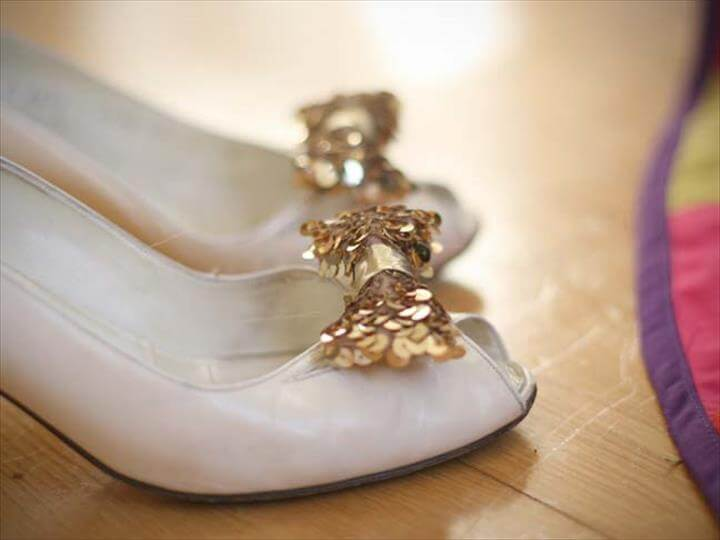 DIY Holiday: Sequin Shoe Clip