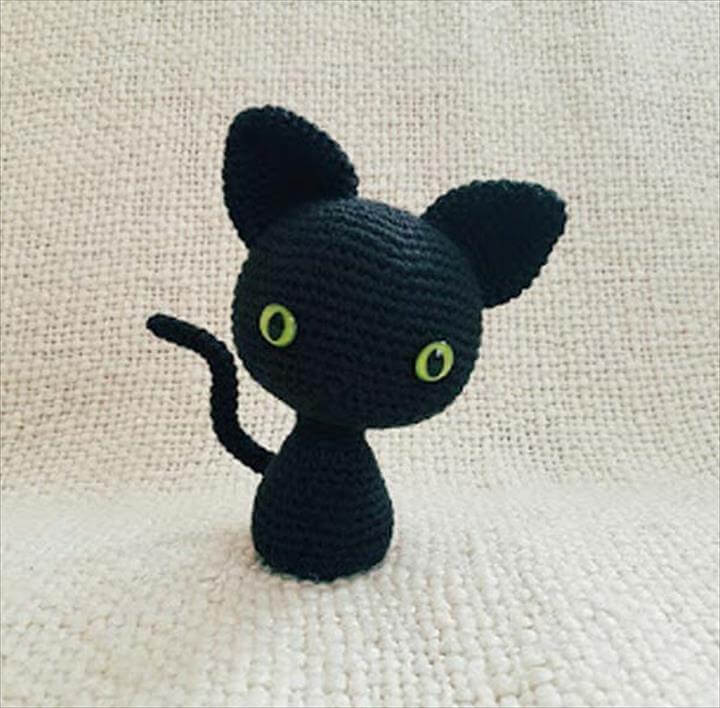 Crochet Patterns and Projects for Teens - The Minima' Cat - Best Free Patterns and