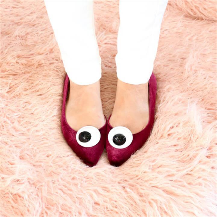 google eye shoe clip