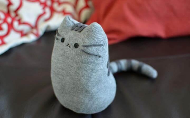 DIY Pusheen Sock Plush