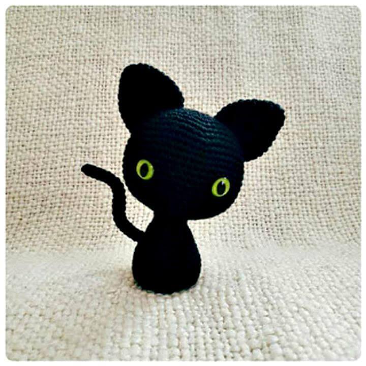 Minima cat crochet, diy crochet gift idea, diy projects, diy impressive crochet