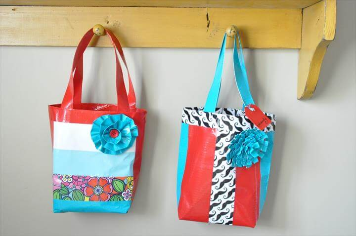 DUCK TAPE BAG TUTORIAL {GIRLS CAMP CRAFT}
