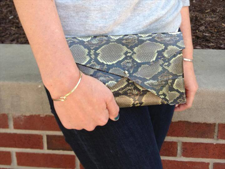 DIY Duct Tape Clutch