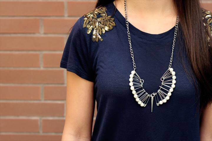 DIY safety pin pearl necklace, fashion DIY, DIY necklace, DIY Safety pin