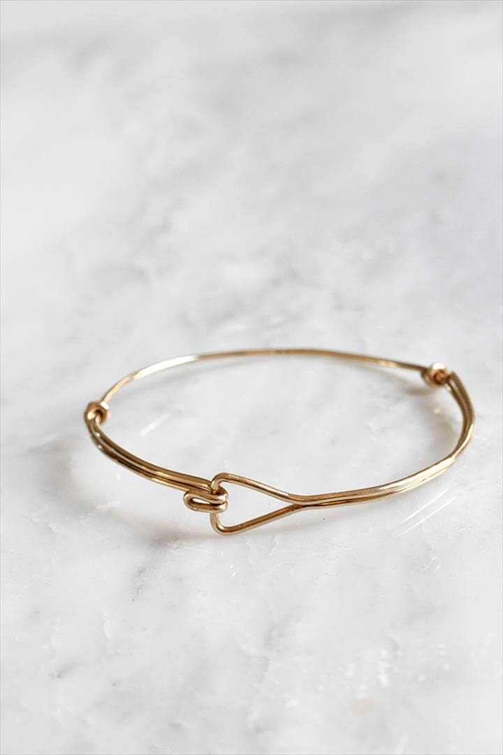 diy triangle wire bracelet