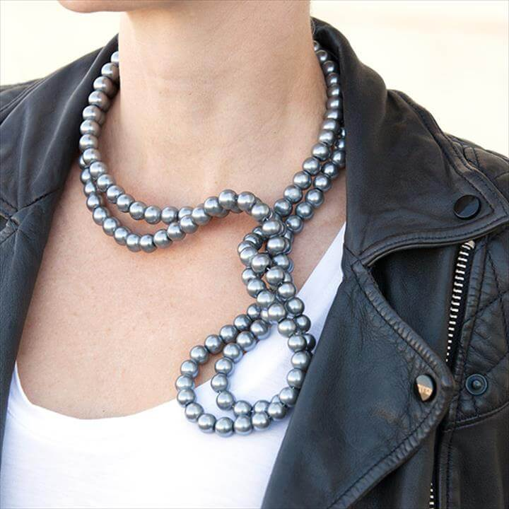 Stella McCartney Inspired DIY Wired Pearl Necklace