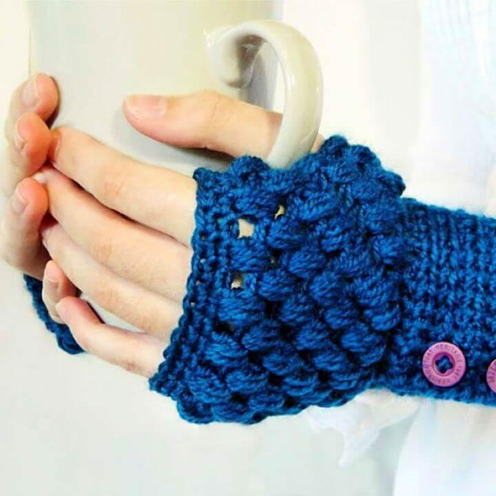 puff stitch crochet, fingerless gloves crochet, cozy crochet idea