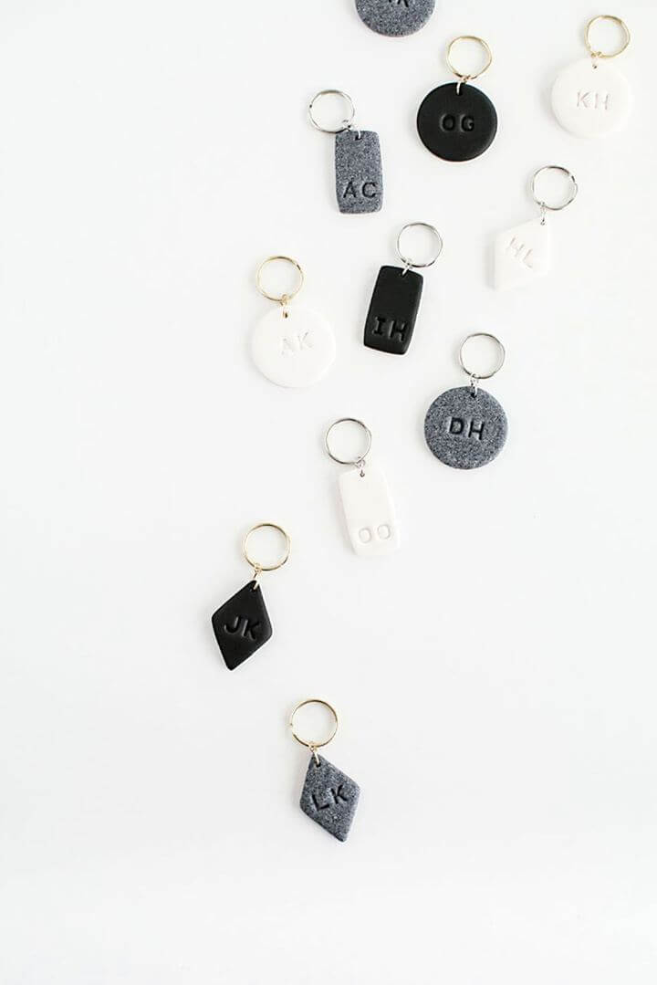 key chain gift, monogram, diy crafts