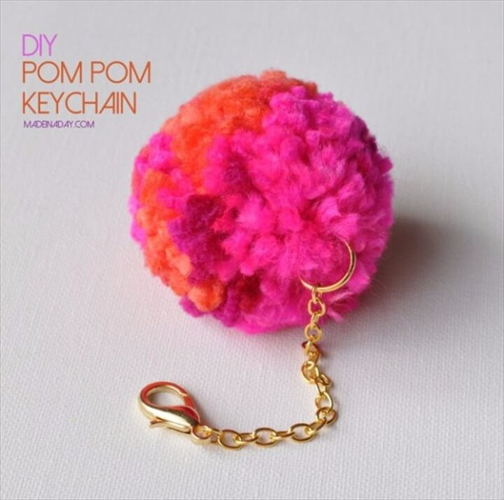 pompom keychain, diy make and sell, gift idea, holiday idea