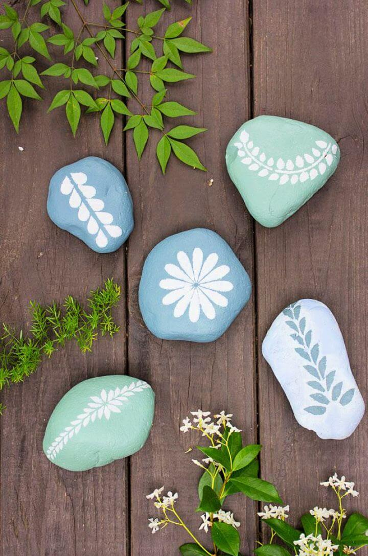 painted stoned, rock garden idea, diy crafts, diy projects
