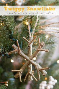Top 14 DIY Christmas Decoration Ideas Quick & Easy To Make
