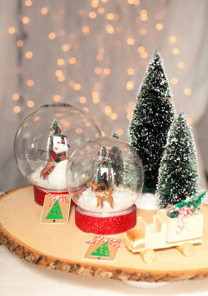 Cute DIY Snow Globe For Christmas With Krazy Glue