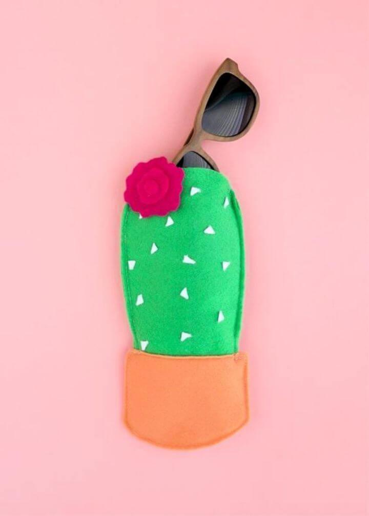 DIY Felt Cactus Sunglasses case