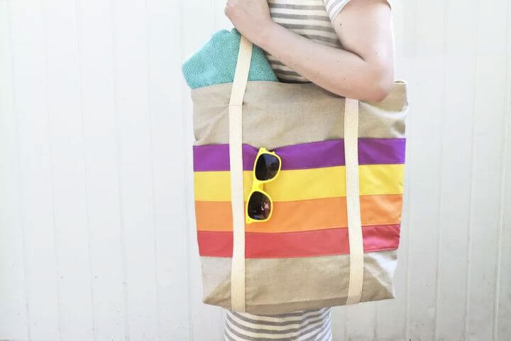 DIY Jumbo Tote With Striped Pockets