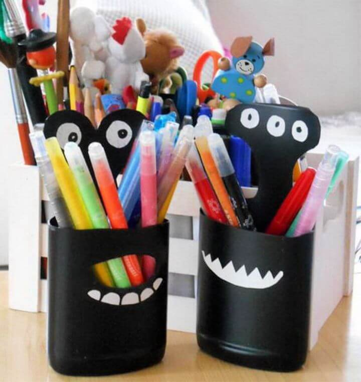 DIY Plastic Bottle Pencil Holder Easy Craft Idea 1